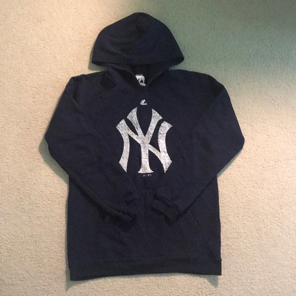 watch 71bfd 4c13d New York Yankees Sweatshirt